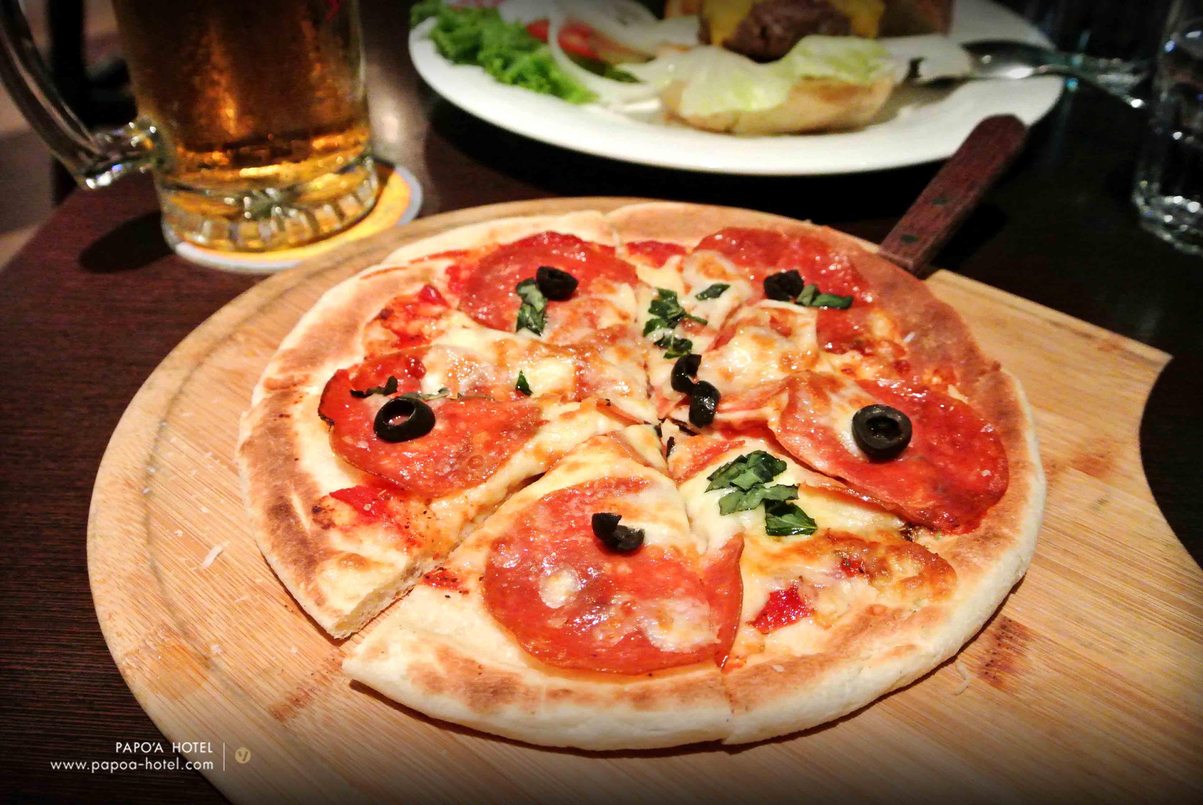 啤酒肚餐廳香腸披薩